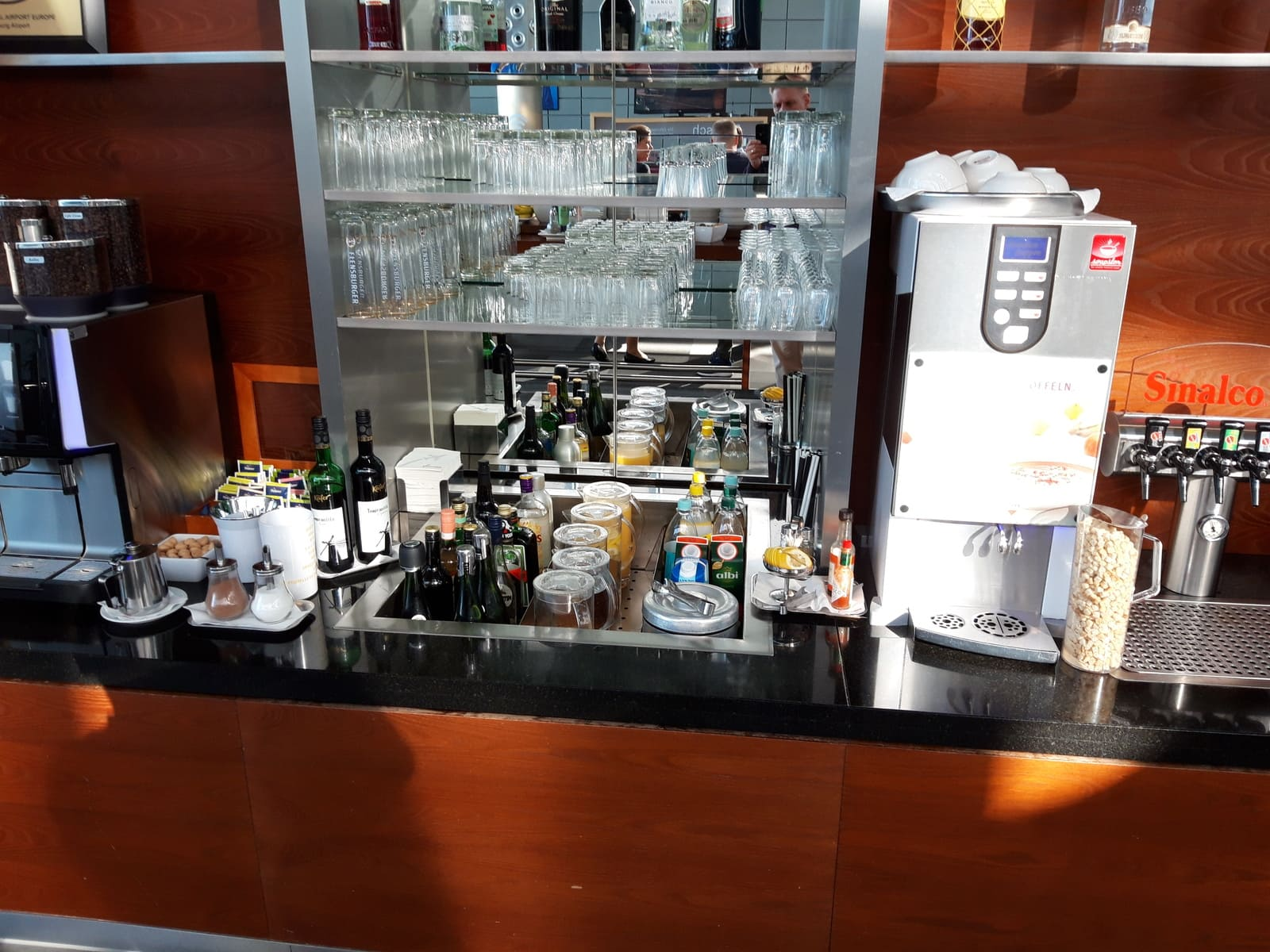 Hamburg Airport Lounge Getränke