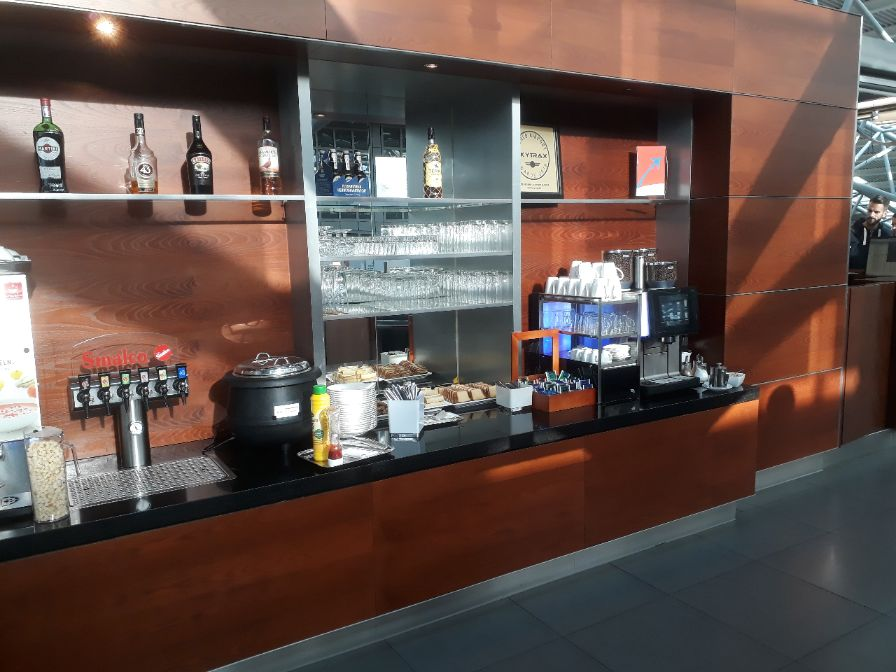 Hamburg Airport Lounge Buffetbereich