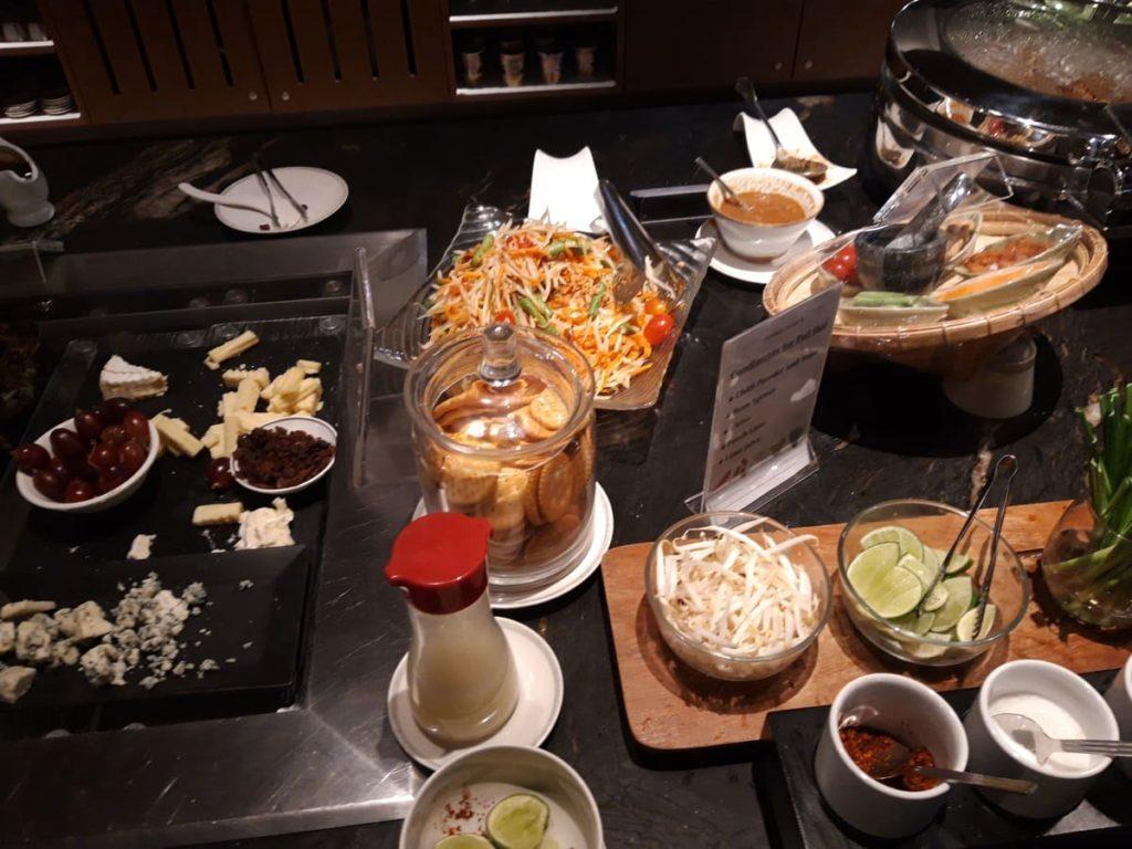 Silverkris Lounge Bangkok Buffet