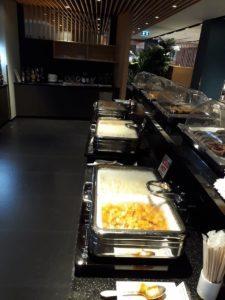 Air France/KLM Sky Lounge Bangkok warme Speisen