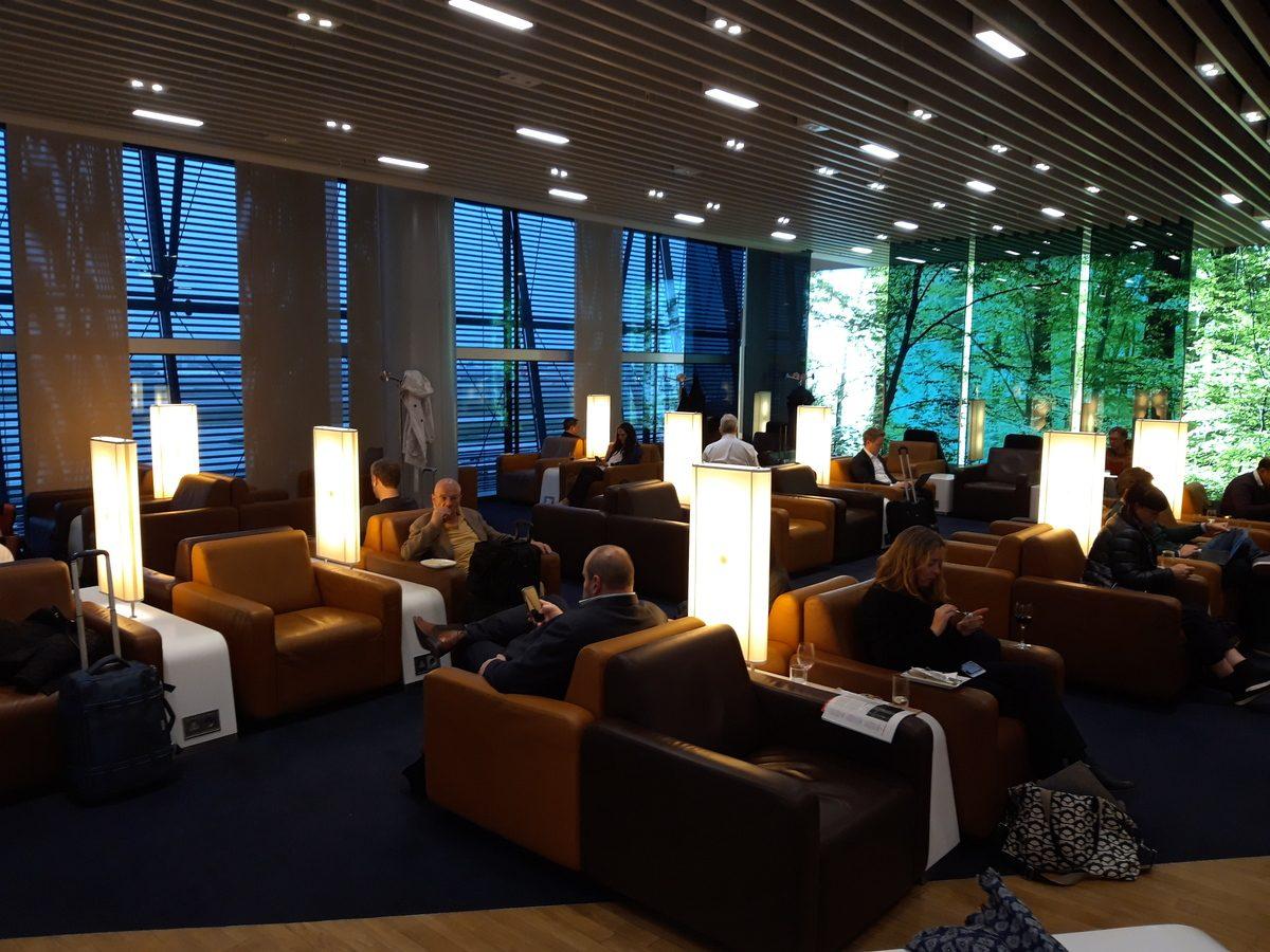 Lufthansa Senator Lounge London
