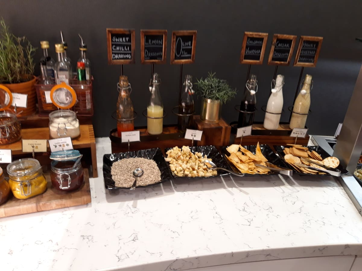 United Club Lounge London Heathrow  Snacks
