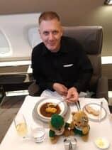Loungerocker Kai in der Singapore Airlines Suites Class