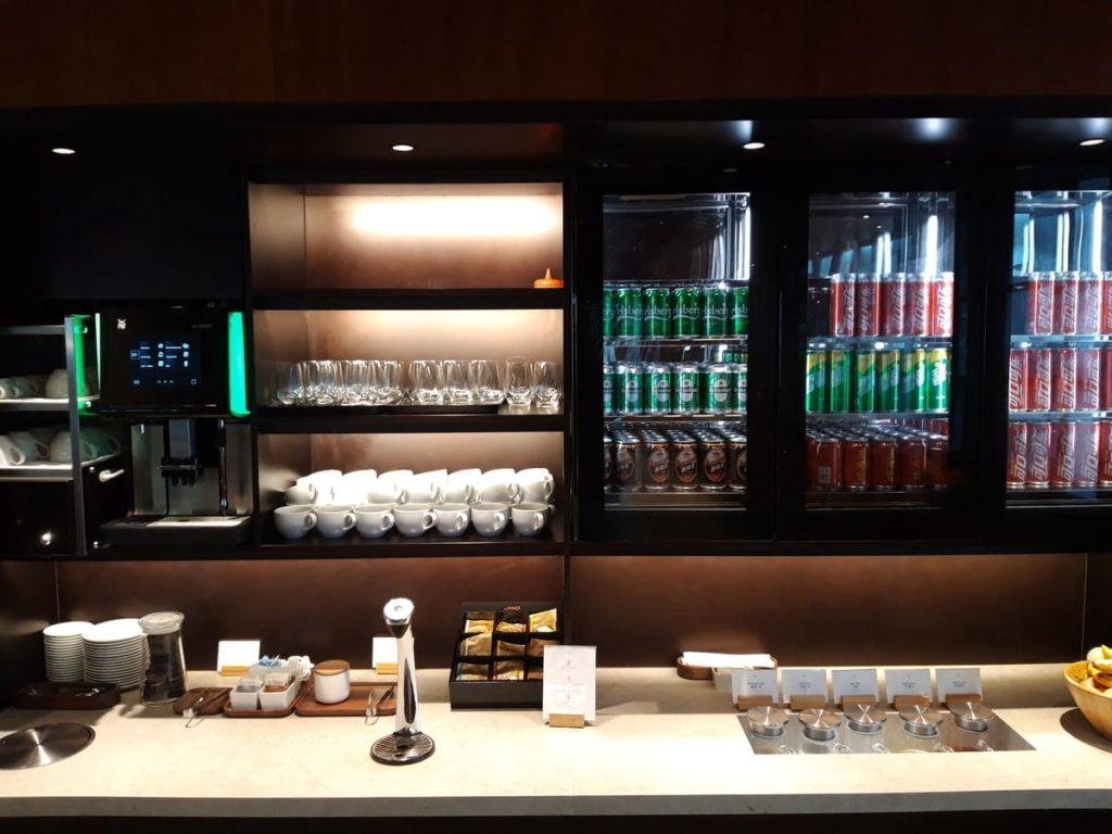 Cathay Pacific Lounge Shanghai Getränkestation