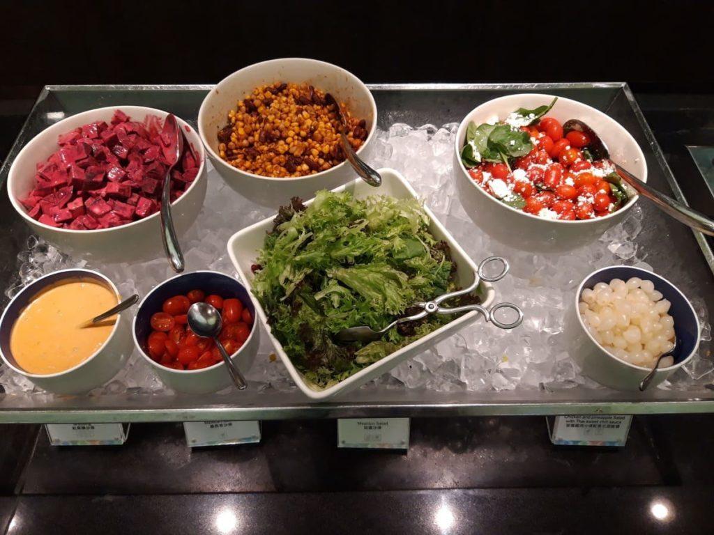 AMEX Centurion Lounge Hongkong Salate