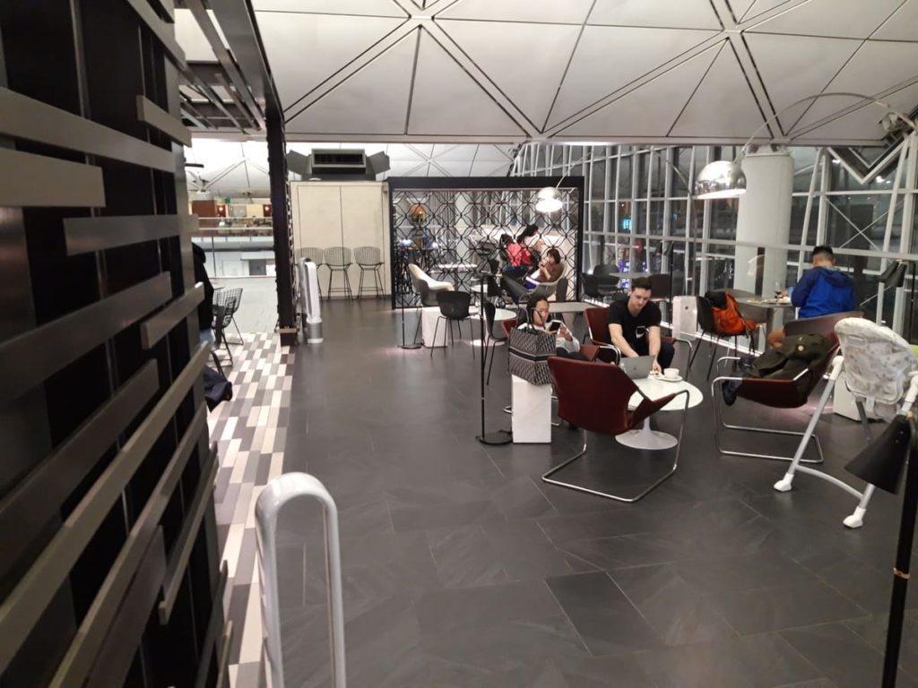 AMEX Centurion Lounge Hongkong Sitzplätze