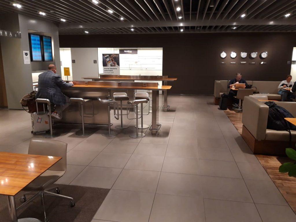 Senator Lounge München Arbeitsbereich