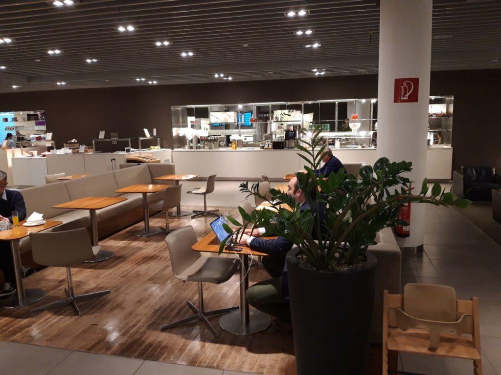 Lufthansa Senator Lounge München G24 Speisebereich